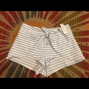 Anne Cole NWT ladies coverup shorts sz S. M